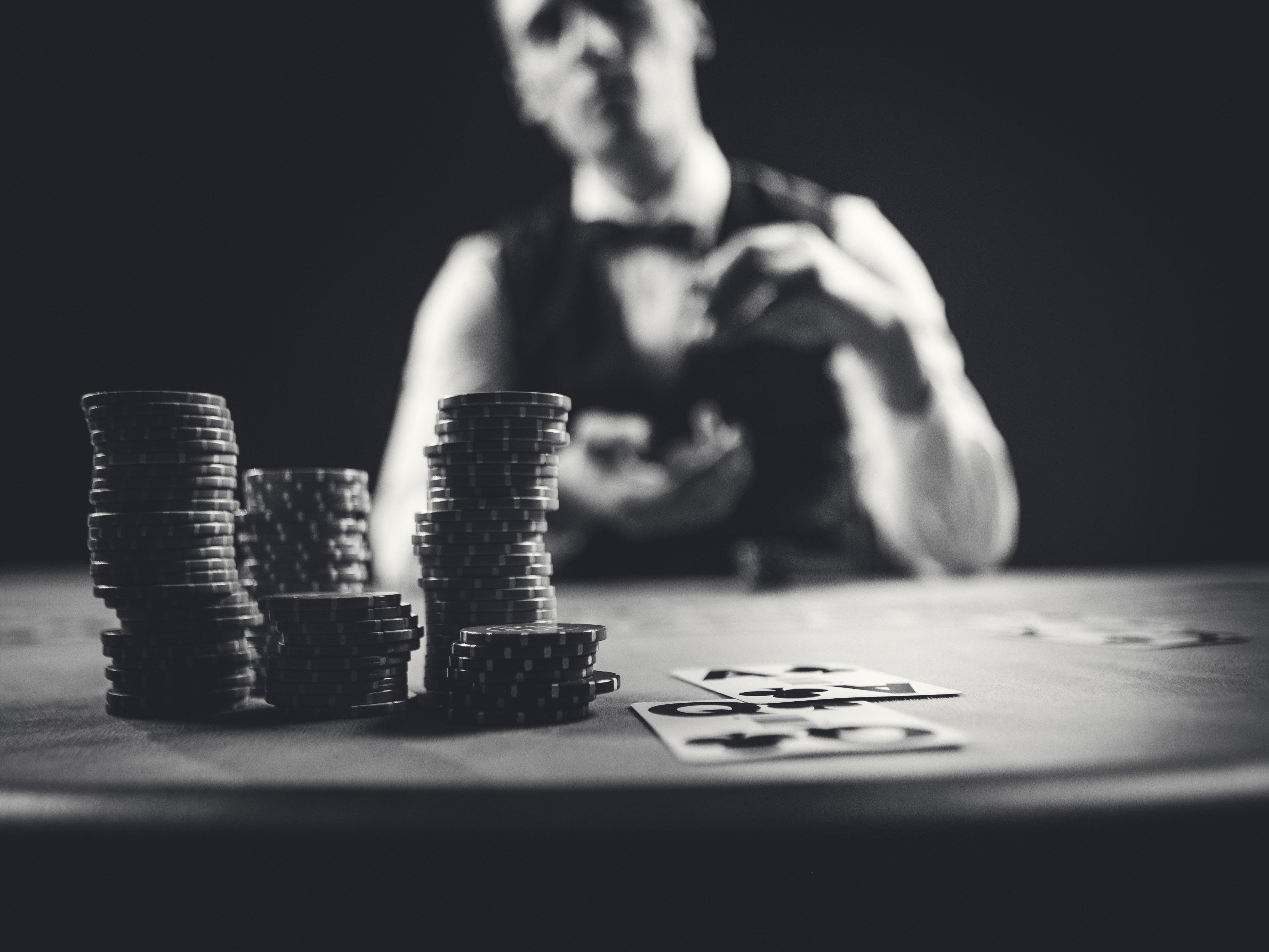 Side betting in poker